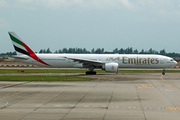 Boeing 777-31H/ER (A6-ECT)