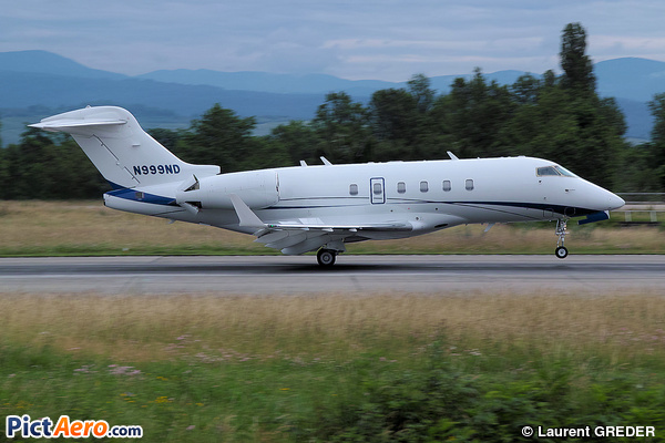 Bombardier BD-100-1A10 Challenger 300 (NPM Equipment Leasing LLC)