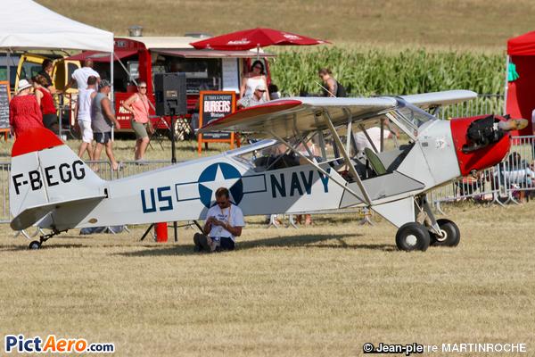Piper J-3C-65 Cub (Aéroclub des Deux-Sèvres)