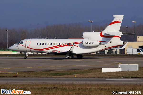 Dassault Falcon 7X (Flying Service)