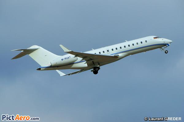 Bombardier BD-700 1A10 Global Express XRS (VIPJet Ltd)