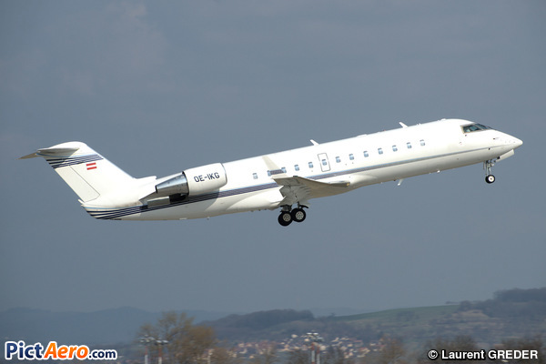 Bombardier Challenger 850 (Canadair CL-600-2B19 Challenger 850) (Majestic Executive Aviation)