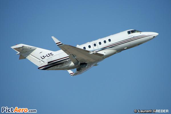 Raytheon Hawker 800XP (CharterJETS)