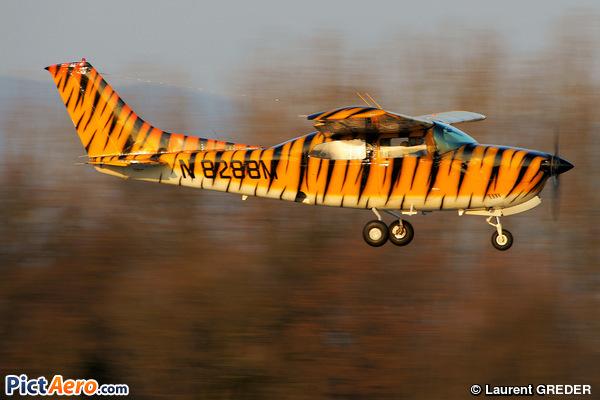 Cessna 210K Centurion (Privat)