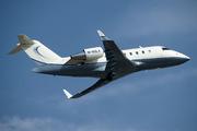 Canadair CL-600-2B16 Challenger 605 (M-NOLA)