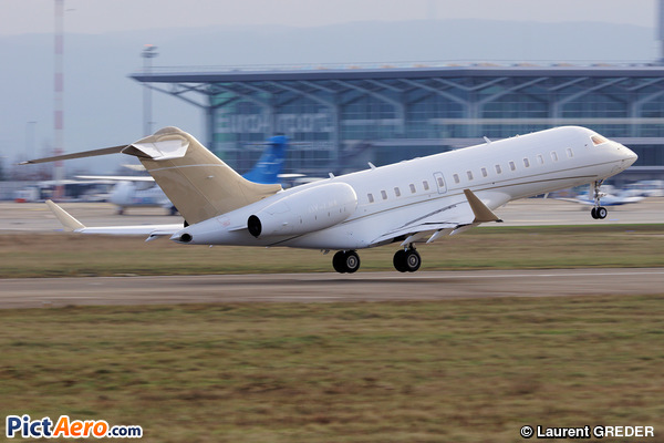 Bombardier BD-700-1A10 Global Express (Execujet Europe)