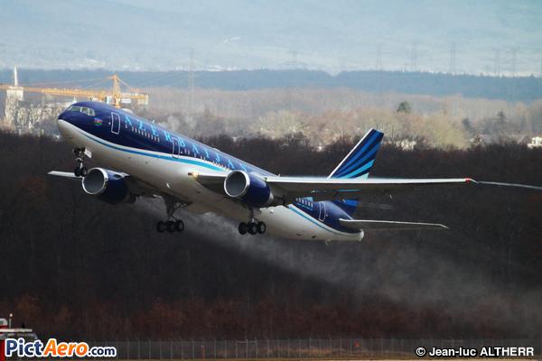 Boeing 767-32L/ER (Azerbaijan Airlines)
