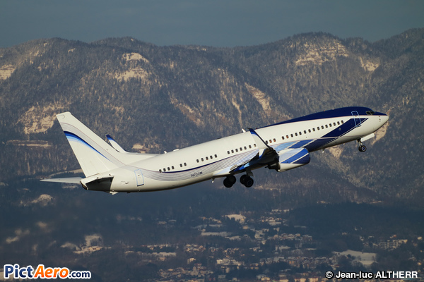 Boeing 737-8EQ/BBJ2 (EIE Eagle Int'l Establishment)