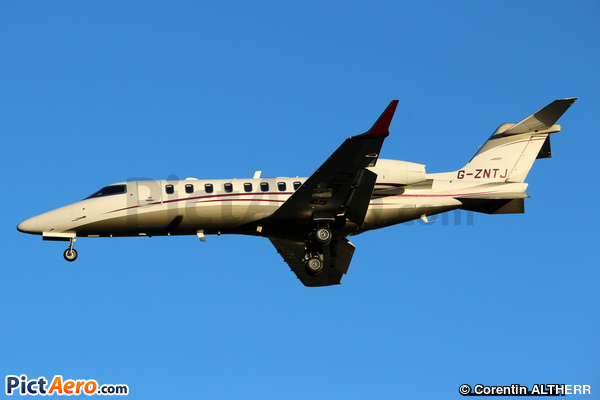Learjet 75 (Private)