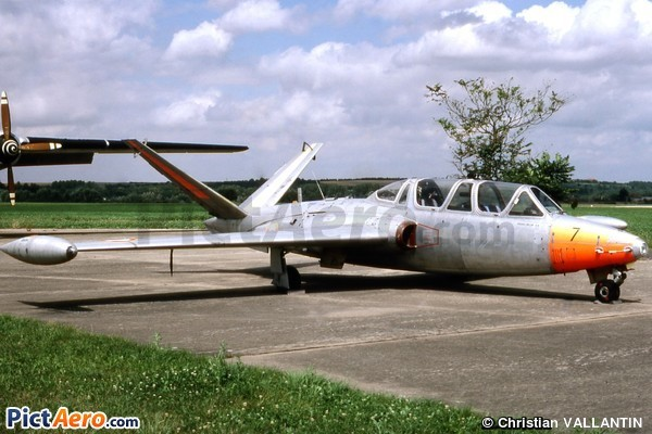 Fouga CM-170R Magister (Musée Aéronautique de Champagne)