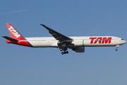 Boeing 777-32W/ER (PT-MUE)