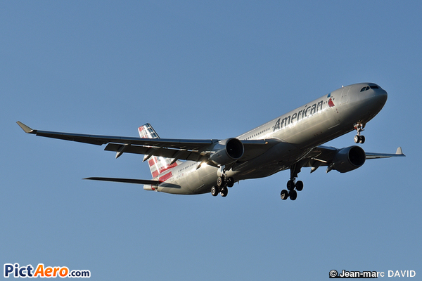 Airbus A330-323X (American Airlines)