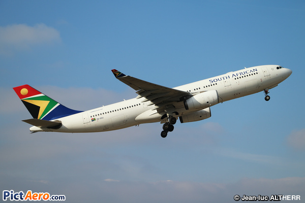 Airbus A330-243 (South African Airways)