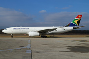 Airbus A330-243 (ZS-SXU)