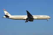 Boeing 777-3FX/ER (A6-ETK)