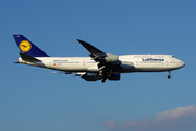Boeing 747-830 (D-ABYJ)