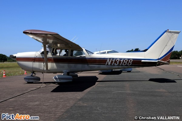 Cessna 172M Skyhawk (AIRCRAFT GUARANTY TRUST LLC TRUSTEE)