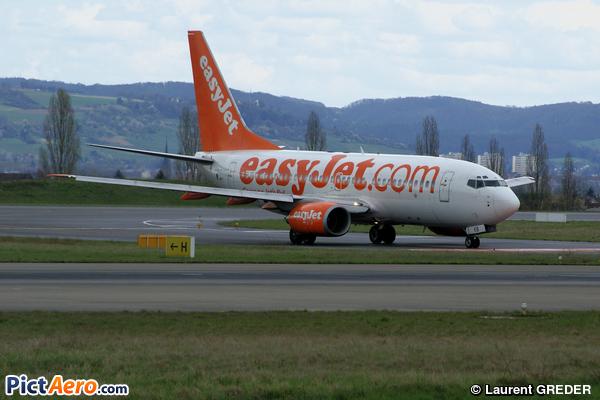Boeing 737-73V (easyJet)