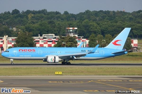 Boeing 767-324/ER (Neos)