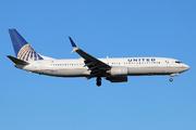 Boeing 737-824/WL (N14228)