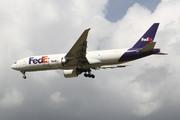 Boeing 777-FS2 (N886FD)