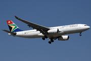 Airbus A330-243 (ZS-SXX)
