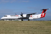 de Havilland Canada DHC-8 Dash 8-402NG (VH-LQM)
