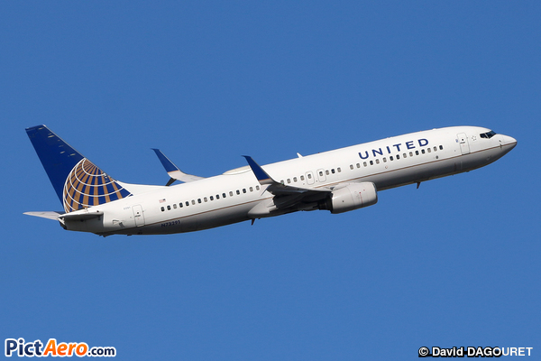 Boeing 737-824/WL (United Airlines)