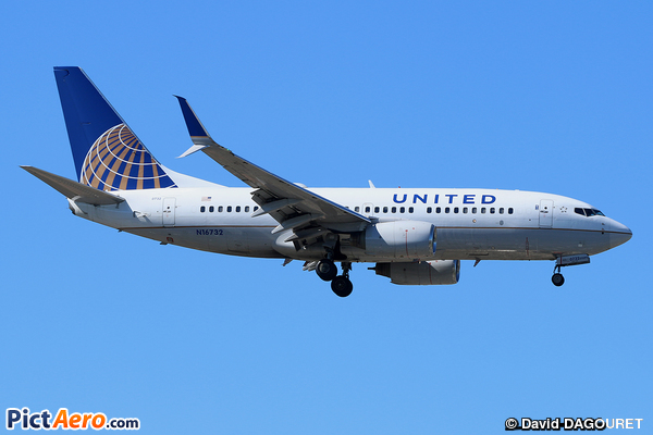 Boeing 737-724/WL (Continental Airlines)
