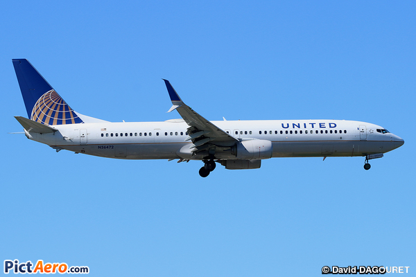 Boeing 737-924/ER (United Airlines)