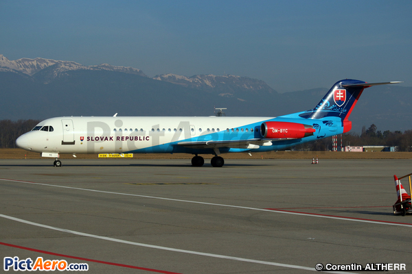 Fokker 100 (F-28-0100) (Slovakia - Government Flying Service)