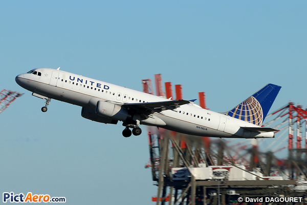Airbus A320-232 (United Airlines)