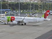 Airbus A320-214 (CS-TMW)