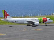 Airbus A320-214 (CS-TNY)