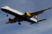 Boeing 757-256/WL