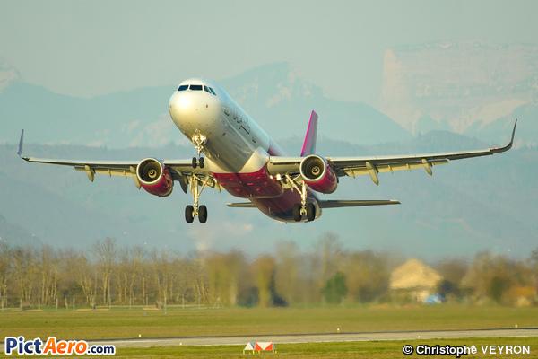 Airbus A321-231/WL (Wizz Air UK)