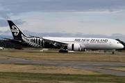 Boeing 787-9 Dreamliner (ZK-NZC)