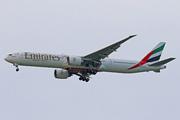 Boeing 777-31H/ER (A6-ECK)