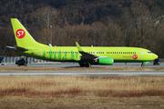 Boeing 737-86J/WL