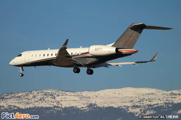 Bombardier BD-700-1A10 Global Express (FlexJet)