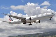 Boeing 777-328/ER (F-GZNG)
