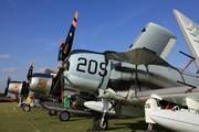Douglas AD-4N Skyraider (F-AZDP)