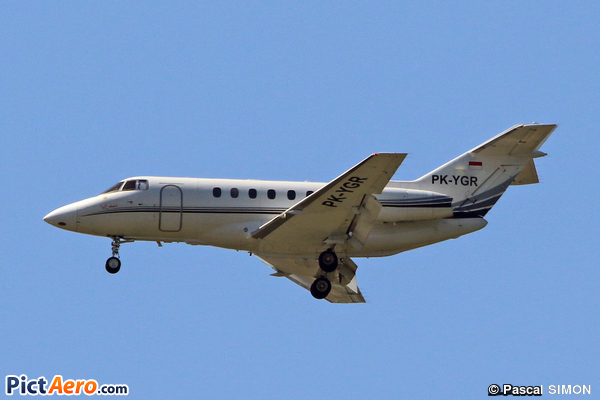 Raytheon Hawker 800xpi (Private/Privé)