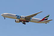 Boeing 777-31H/ER (A6-ECQ)