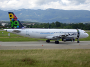 Airbus A320-231 (S5-AAA)