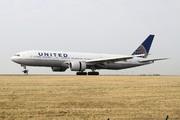 Boeing 777-222/ER (N787UA)