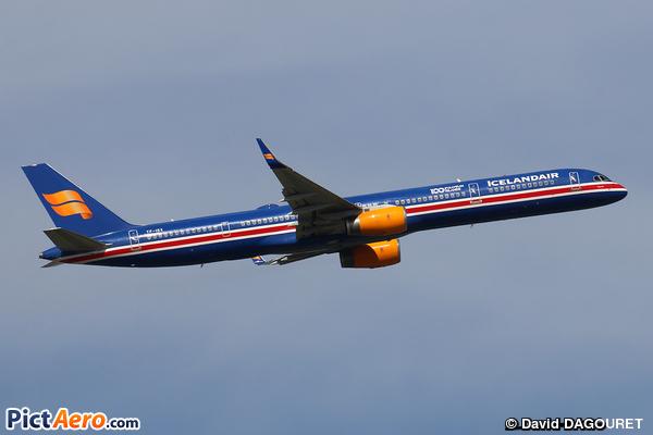 Boeing 757-3E7 (Icelandair)