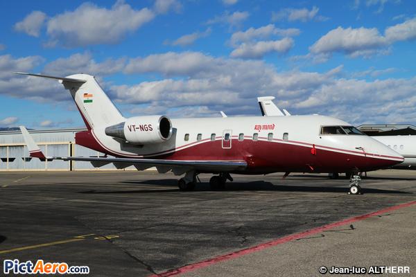 Canadair CL-600-2B16 Challenger 604 (Raymond Aviation)