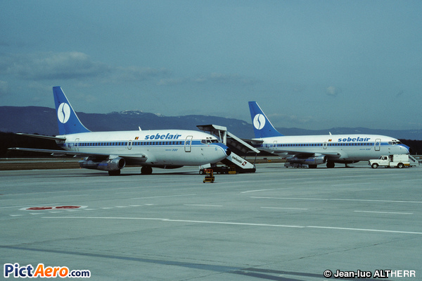 Boeing 737-229/Adv (Sobelair)