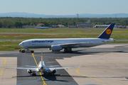 Boeing 777-FBT (D-ALFB)